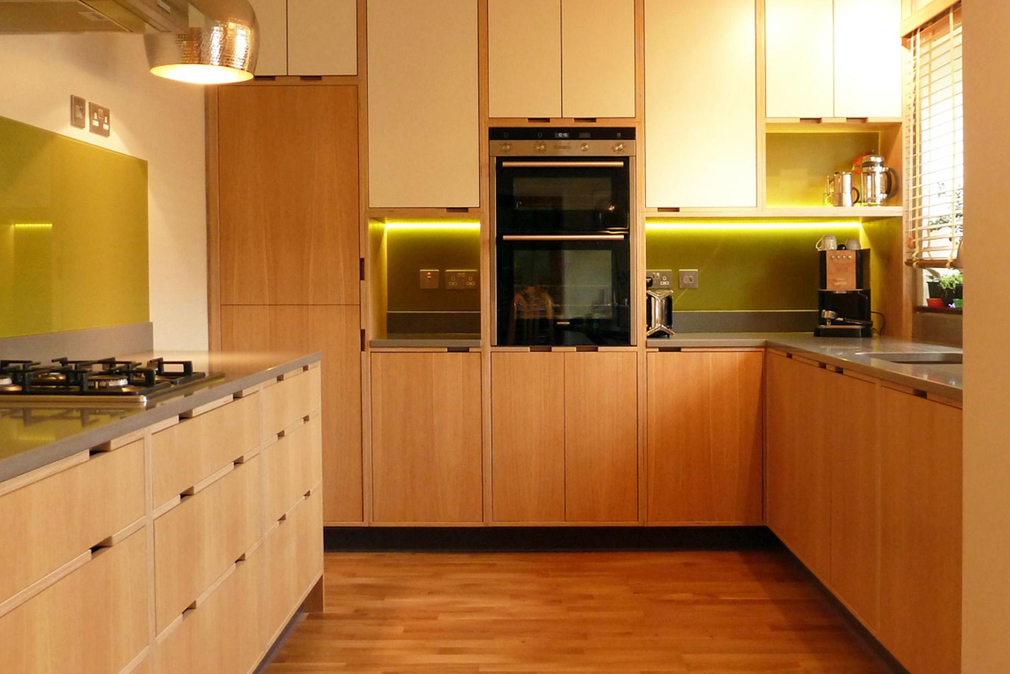 Oak veneer plywood kitchen doors