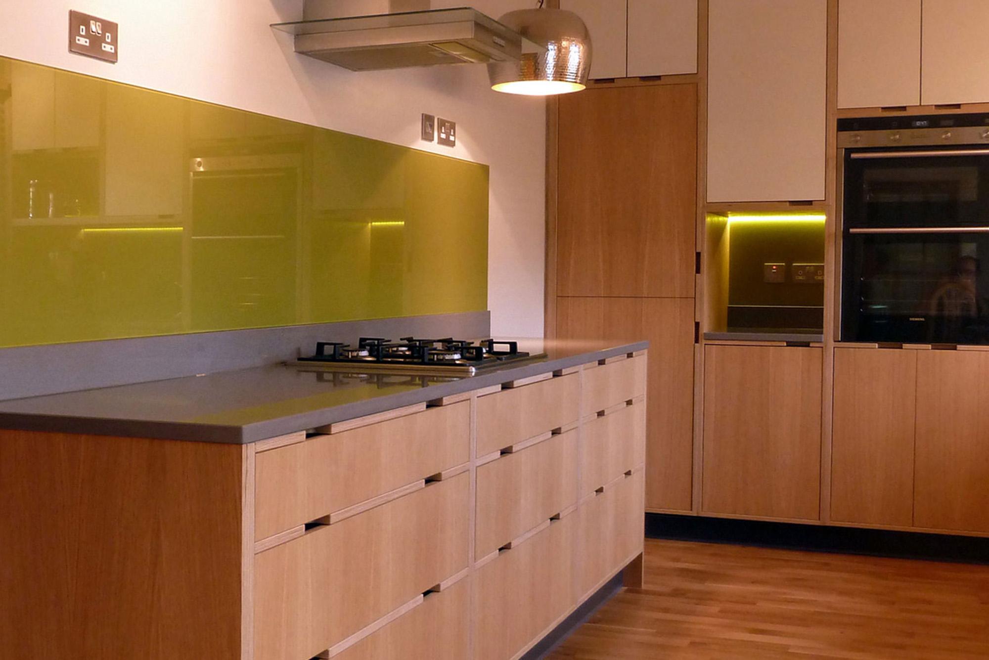 Oak veneer kitchen doors