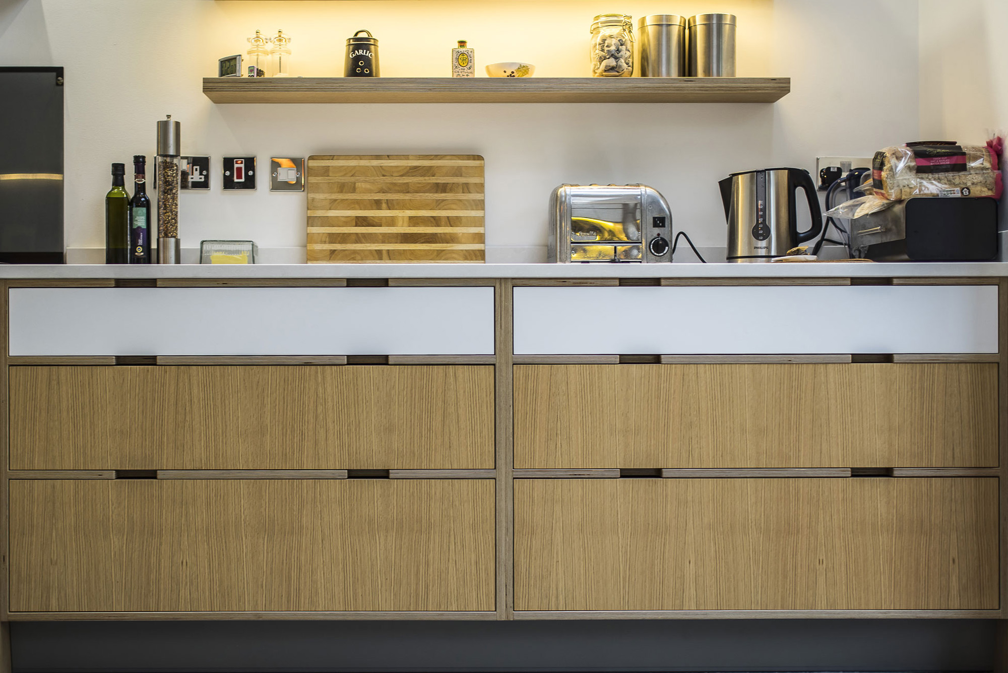 Oak veneered drawers