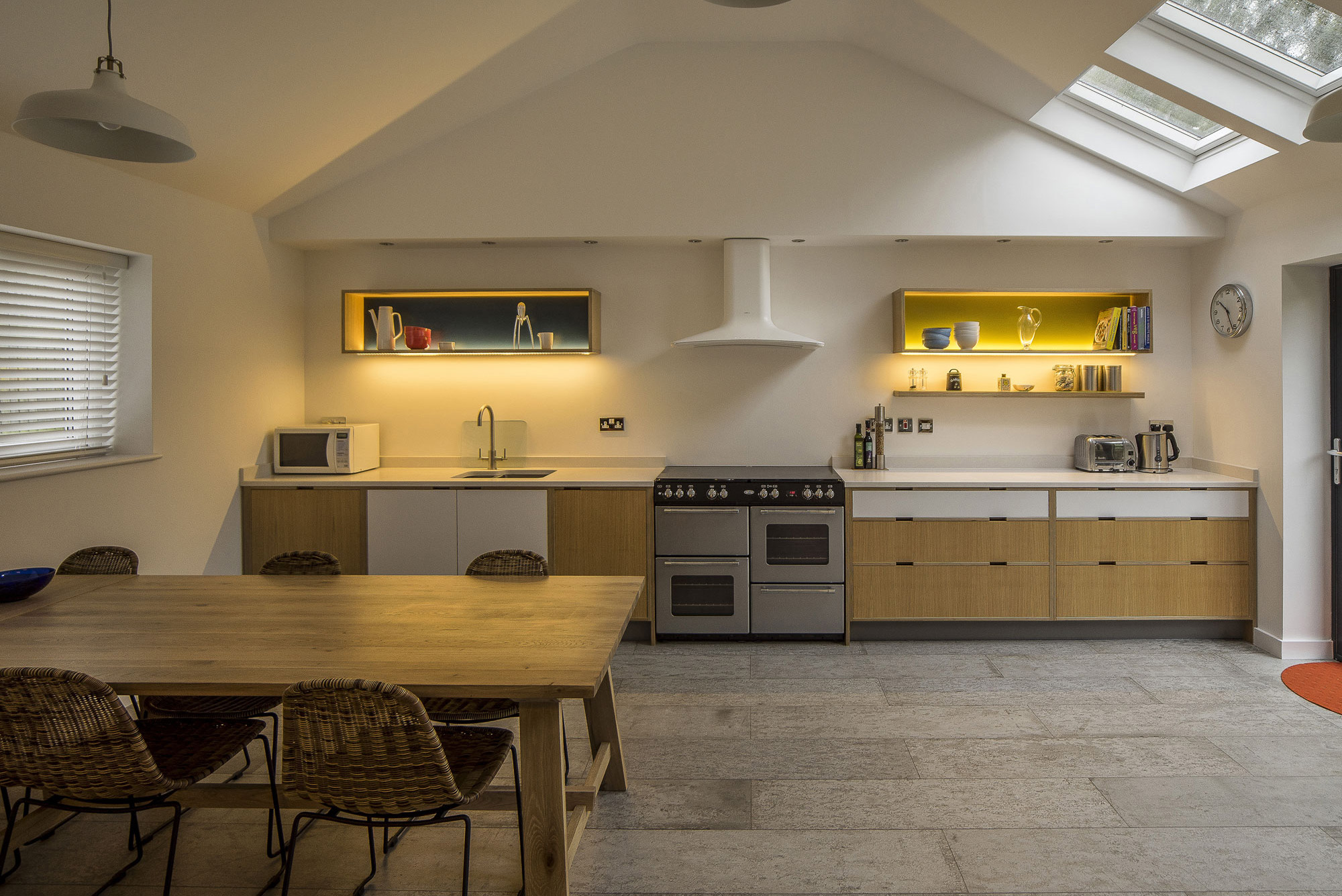 Oak veneered kitchen - Modern