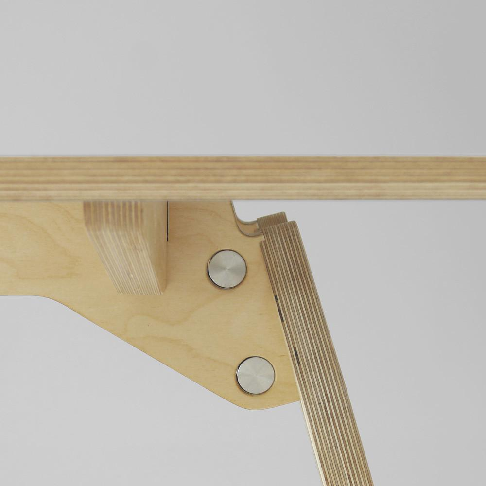 leg detail plywood dining table